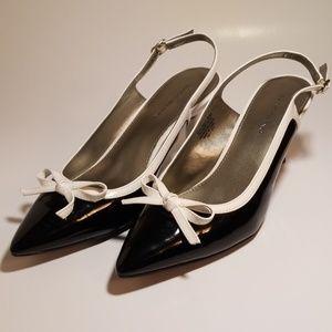 Black and white patent heels Bandolino